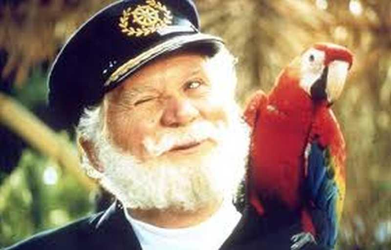 capitan_parrot.jpg