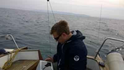 Skipper gleda pot domov