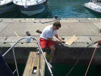 Prvo letošnje urejanje barke