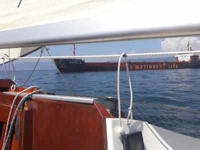 Srečanje z veliko tovorno ladjo