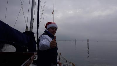 Na barki tudi božičkov pomočnik