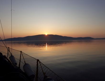 Sončni vzhod nad Cresom