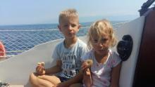 Mlada mornarja pri malici